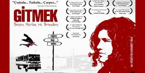 """Özcan Alper, """"Gitmek – Benim Marlon ve Brandom"""" ve """"Sesime Gel"""" filmlerinin yönetmen ve yapımcısı Hüseyin Karabey"""